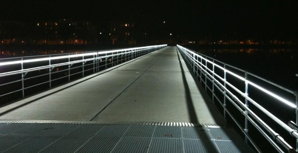 Modernistisk AAPlus – Salg af LED til professionelle WB31